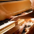 ラウンジピアノ演奏