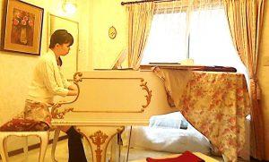 ラウンジ演奏会 大人のピアノサークル